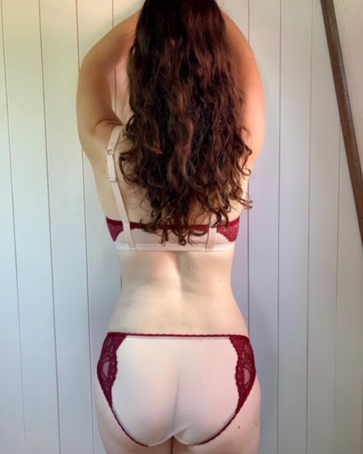 Back of Ivy knickers in red lace kit