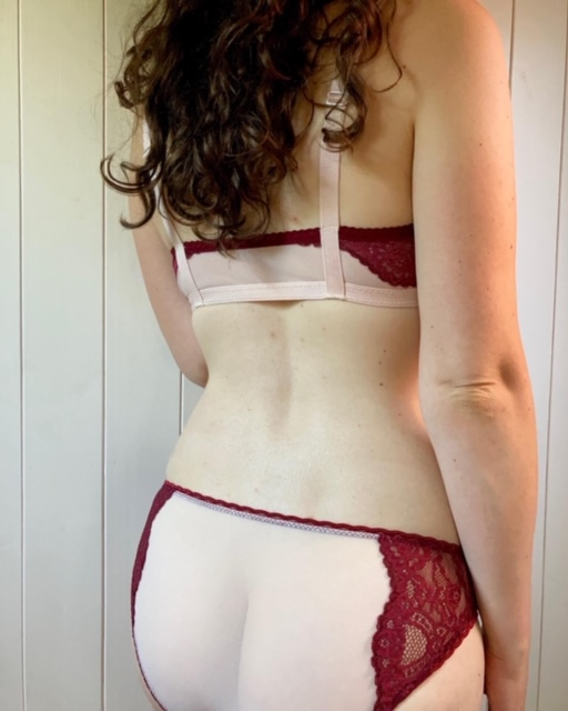 Back of Ivy Knickers and Barbary bralette in red lace kit