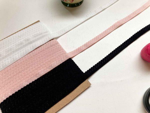 Scalloped foldover elastic ivory, rose and black
